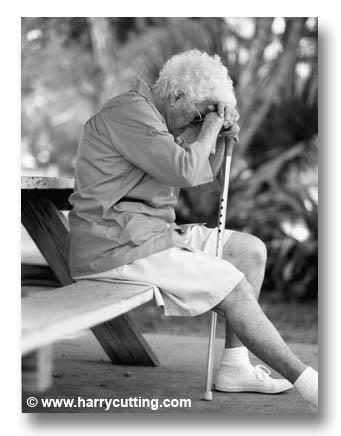 20091215004723-oldwoman.jpg